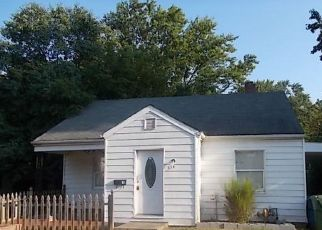 Foreclosed Home in Mount Vernon 62864 HARRISON ST - Property ID: 4414139929