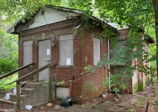 Foreclosed Home in Coram 11727 WESTFIELD RD - Property ID: 4414201228