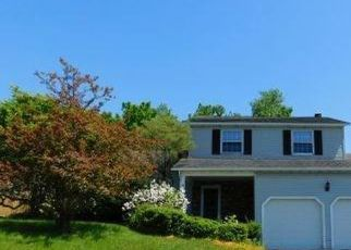 Foreclosed Home in Liverpool 13088 CHESTNUT HILL DR - Property ID: 4414210427