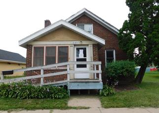 Foreclosed Home in Janesville 53548 W COURT ST - Property ID: 4414218759