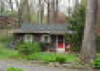Foreclosed Home in Long Valley 07853 HACKLEBARNEY RD - Property ID: 4414260806