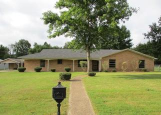 Foreclosed Home in Gladewater 75647 RUSTY LN - Property ID: 4414324297