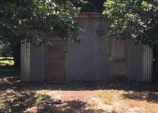Foreclosed Home in Kerrville 78028 GILMER ST - Property ID: 4414325622