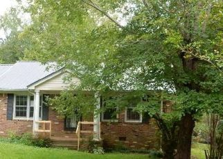 Foreclosed Home in Selmer 38375 OAK ST - Property ID: 4414364599