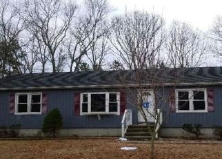 Foreclosed Home in Center Moriches 11934 S SERVICE RD - Property ID: 4414378165