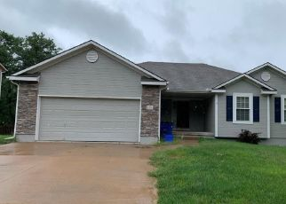 Foreclosed Home in Grain Valley 64029 SW LAKEVIEW DR - Property ID: 4414569124