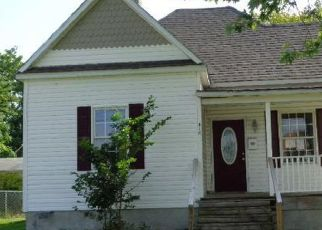 Foreclosed Home in Moberly 65270 S AULT ST - Property ID: 4414574384