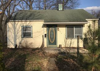 Foreclosed Home in Michigan City 46360 WOODROW AVE - Property ID: 4414791174