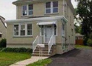 Foreclosed Home in Woodbridge 07095 LEWIS ST - Property ID: 4414917765