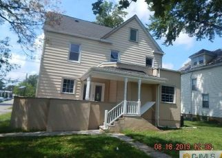 Foreclosed Home in Woodbridge 07095 LINDEN AVE - Property ID: 4414928713