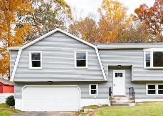 Foreclosed Home in Meriden 06451 KNOB HILL RD - Property ID: 4414982128