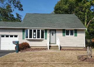 Foreclosed Home in Bay Shore 11706 21ST AVE - Property ID: 4415004475