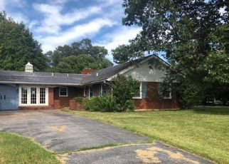Foreclosed Home in Cave City 42127 WHITNEY WOODS DR - Property ID: 4415084183