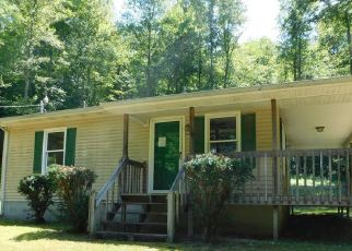 Foreclosed Home in Manchester 40962 ROBINSON CREEK RD - Property ID: 4415092958
