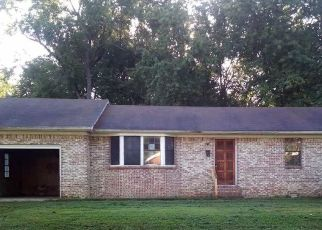 Foreclosed Home in Fulton 42041 N COLLEGE ST - Property ID: 4415095130