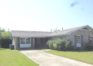 Foreclosed Home in Fulton 42041 2ND ST - Property ID: 4415109140