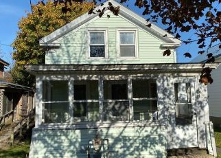 Foreclosed Home in Oswego 13126 MERCER ST - Property ID: 4415132360