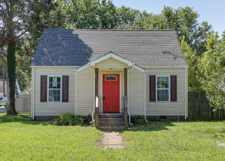 Foreclosed Home in Hampton 23669 CHAPEL ST - Property ID: 4415202893