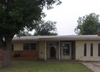 Foreclosed Home in Andrews 79714 SW 12TH ST - Property ID: 4415221270