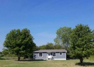 Foreclosed Home in Azle 76020 E BARRY ST - Property ID: 4415248427