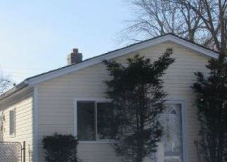 Foreclosed Home in Roseville 48066 LOWELL ST - Property ID: 4415357933
