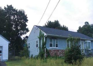 Foreclosed Home in Lowell 01851 CARROLL PKWY - Property ID: 4415468291
