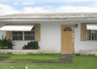 Foreclosed Home in Fort Lauderdale 33309 NW 53RD ST - Property ID: 4415621134