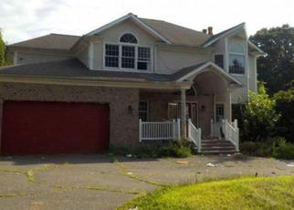 Foreclosed Home in Trumbull 06611 PAULINE ST - Property ID: 4415652236