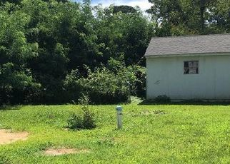 Foreclosed Home in Cobb Island 20625 AUDREY RD - Property ID: 4415681141