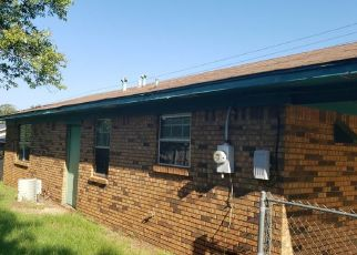 Foreclosed Home in Moundville 35474 COUNTY LINE RD - Property ID: 4415778827