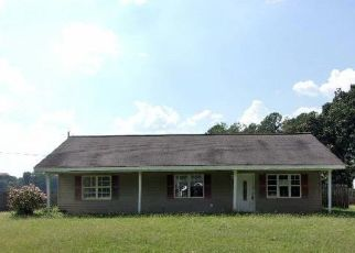 Foreclosed Home in Heflin 36264 EVANS BRIDGE RD - Property ID: 4415783638