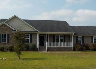 Foreclosed Home in Hope Mills 28348 REAL QUIET PL - Property ID: 4415801143