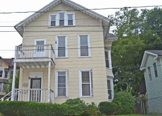 Foreclosed Home in Meriden 06450 CRESCENT ST - Property ID: 4415903192