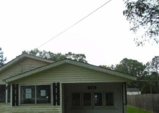 Foreclosed Home in Walkerton 46574 SOUTHTOWN BLVD - Property ID: 4415979408
