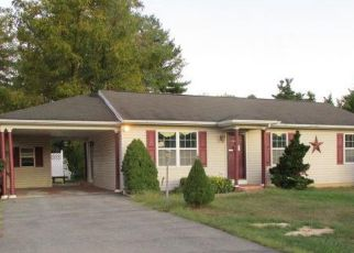 Foreclosed Home in Williamsport 21795 READING DR - Property ID: 4415990352