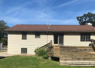 Foreclosed Home in Garden City 48135 MAPLEWOOD ST - Property ID: 4416045543