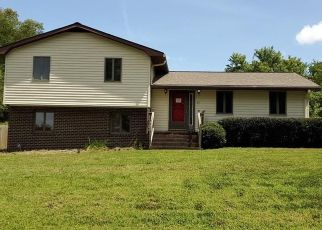 Foreclosed Home in Newport News 23608 COLOMBIA DR - Property ID: 4416080583