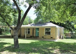Foreclosed Home in Brady 76825 S WALNUT ST - Property ID: 4416092398
