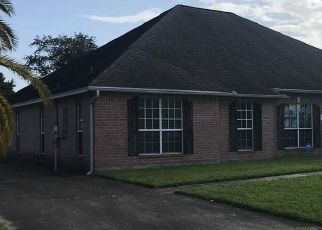 Foreclosed Home in Beaumont 77707 MEDINAH DR - Property ID: 4416113429