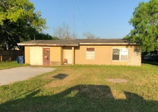 Foreclosed Home in Sinton 78387 COUNTY ROAD 2763 - Property ID: 4416120429
