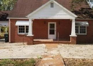 Foreclosed Home in Greeneville 37745 HILLCREST DR - Property ID: 4416134905