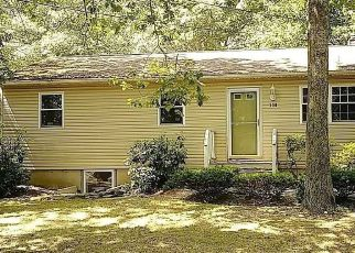Foreclosed Home in Center Moriches 11934 CHICHESTER AVE - Property ID: 4416156792