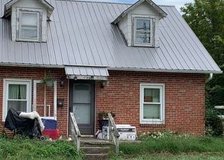 Foreclosed Home in Boonville 65233 SANTA FE TRL - Property ID: 4416346879