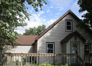 Foreclosed Home in Mountain Lake 56159 MOUNTAIN LAKE RD - Property ID: 4416414315