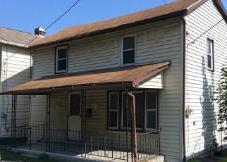 Foreclosed Home in Lowellville 44436 E JACKSON ST - Property ID: 4416474317