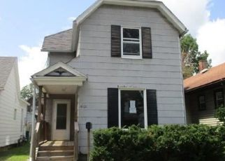 Foreclosed Home in Toledo 43612 WALKER AVE - Property ID: 4416476506