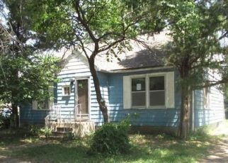 Foreclosed Home in Salina 67401 N 10TH ST - Property ID: 4416561473