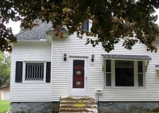 Foreclosed Home in Oelwein 50662 3RD AVE SE - Property ID: 4416582497