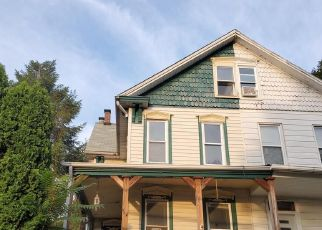 Foreclosed Home in Harrisburg 17104 S 21ST ST - Property ID: 4416638112