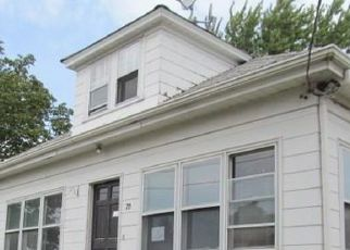 Foreclosed Home in Cranston 02910 SHARON ST - Property ID: 4416742802